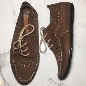 Leather Moc Style Hush Puppies